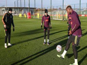 Tin bóng đá 2/12: Man United nhận cú hích trước trận gặp PSG