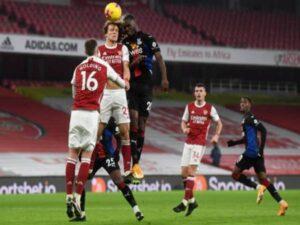 Tin sáng 15/1: Arsenal hòa đáng tiếc Crystal Palace trên sân nhà