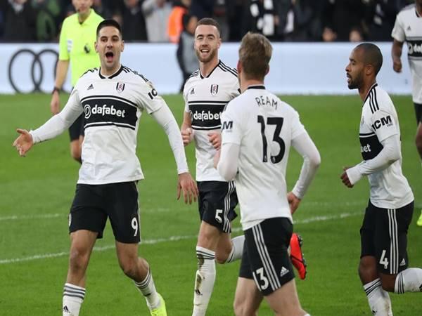 Dự đoán bóng đá Fulham vs Wolves (2h00 ngày 10/4)